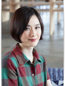 テレビで見る原田知世さんは年を重ねるごとに優しく、柔らかく磨かれていくような美しさを感じてしまいます。カドが取れた美人、というのでしょうか。