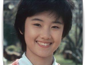 もっと遡ると、剛力彩芽さんのようなボーイッシュな女の子でした!さすがに今の若い人はこの頃の原田知世さんについてご存知ないと思いますが、