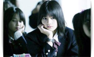 橋本愛の制服「告白」
