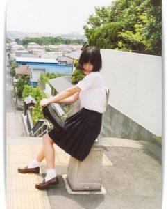 橋本愛の制服