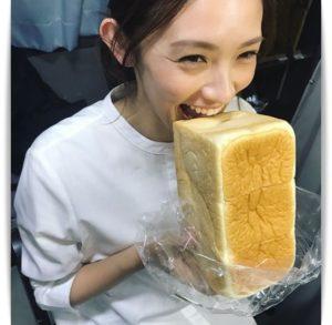 星野真里と食パン