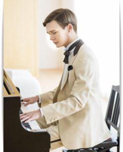 mattのピアノ姿