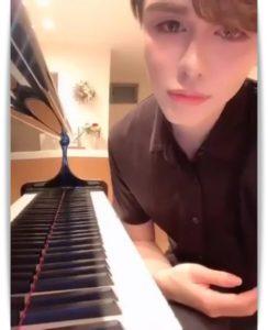 mattとピアノ