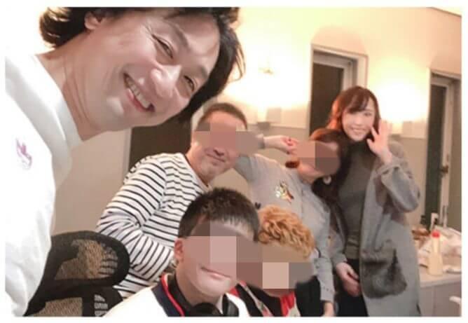 喜多村緑郎と貴城けいの家族写真