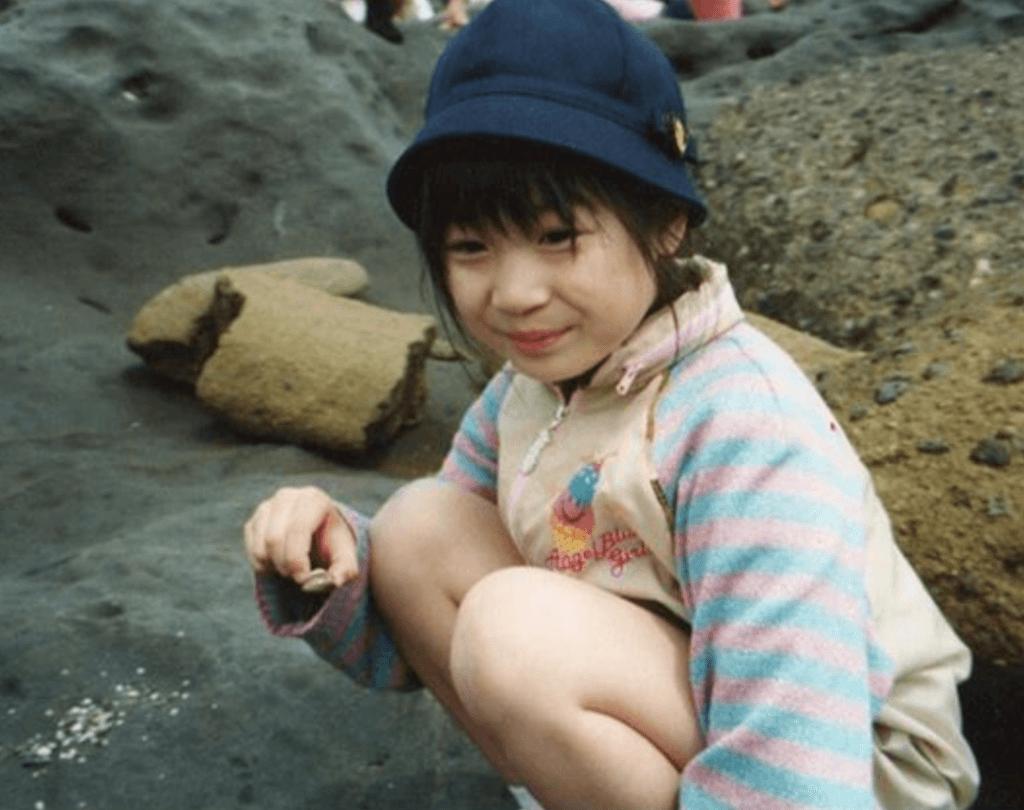 デコウトミリの幼少期